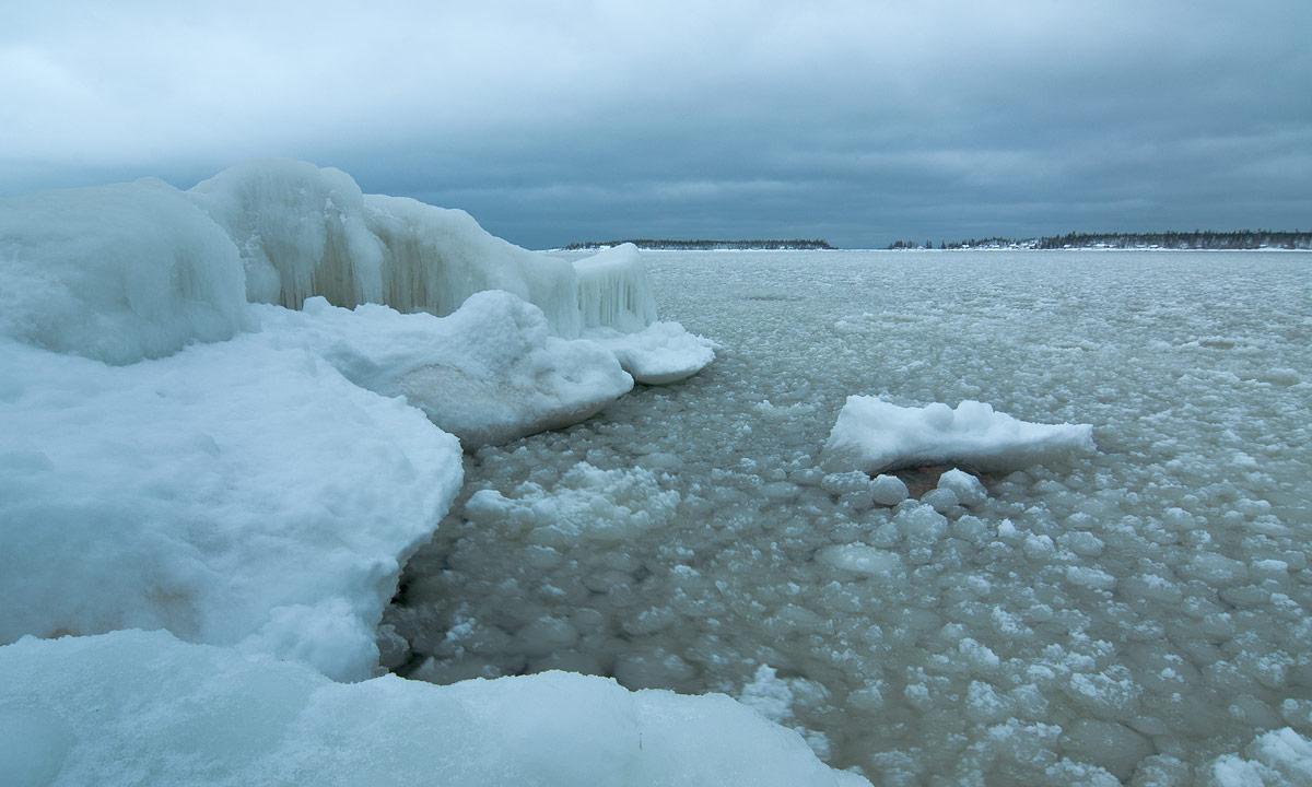 Eis am Ostseeufer