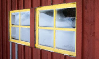 Fenster der Holzfällerhütte