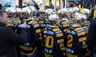 Die Mannschaft trägt Goldhelm