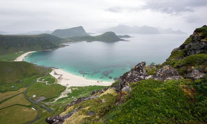Blick auf Haukland und die Vikbukta