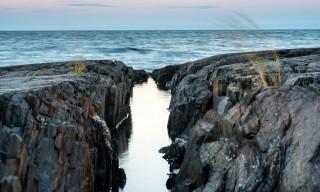 Eine Felsspalte —wie ein kleiner Canyon