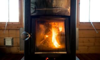 Der Saunaofen heizt