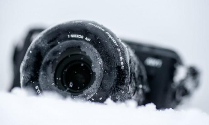 Nikon AW1 –eisüberzogen