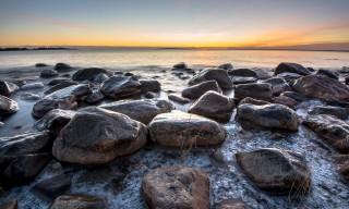 Winterfelsen am Strand von Näsgrundet