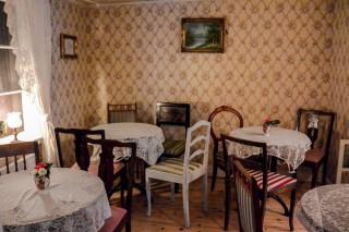 Im Café Lilla Mari