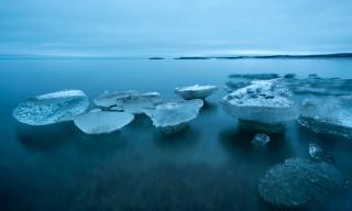 Eis schwebt über der Ostsee