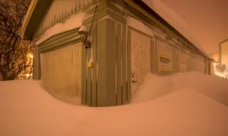 Meine Garage ist halb zugeschneit
