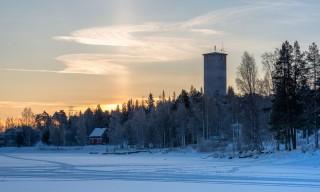 Wolkenschleier über dem alten Wasserturm
