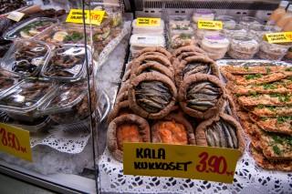 Oulu: finnische Spezialitäten in der Markthalle