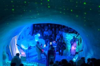 Die Bühne für Sänger und Orchester