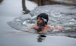 John Lule, afrikanischer Winterschwimmmeister