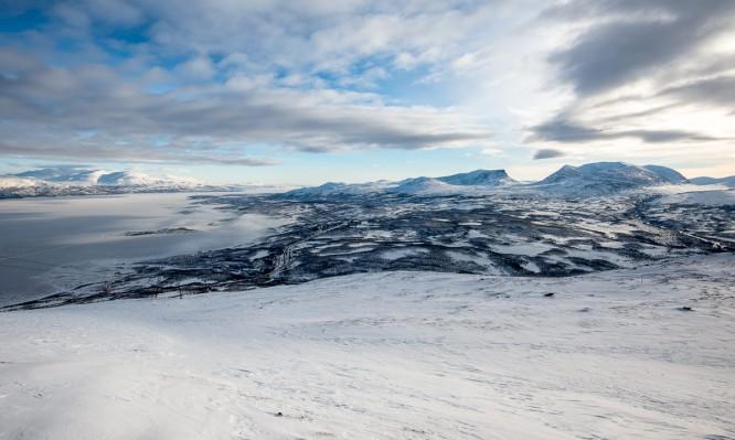 Panorama über Abisko –rechts im Bild: Lapporten