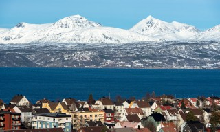 Blick über Narvik, Fjord und Fjell