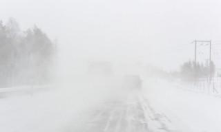 """Trockener Schneefall und """"Snörök"""" auf dem Hinweg"""
