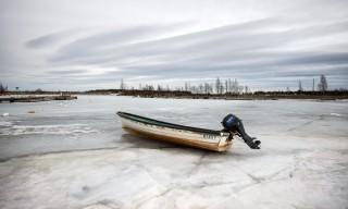 Das Hafenbecken von Tjuvkistan ist noch eisbedeckt