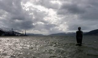 """Blick auf den Fjord und den """"Havmannen"""""""