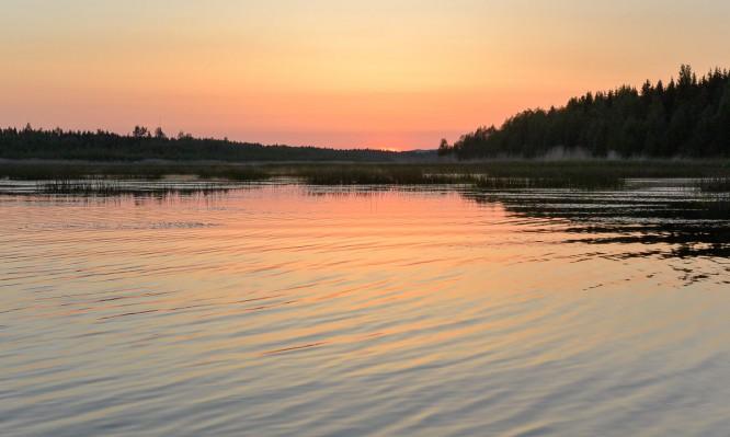 Sonnenuntergang über dem Norra Innerviksfjärden