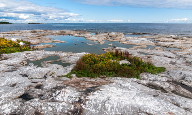 Blick über Snusan und auf Kågnäshällan, die nächste Insel