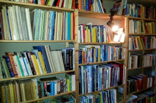 Gästezimmer und Bibliothek