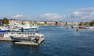 Blick von der Brücke zu Skeppsholmen